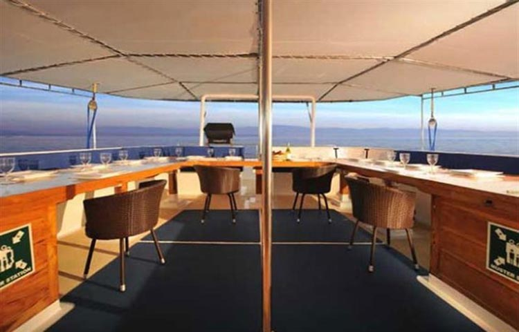 Siren Dining Deck